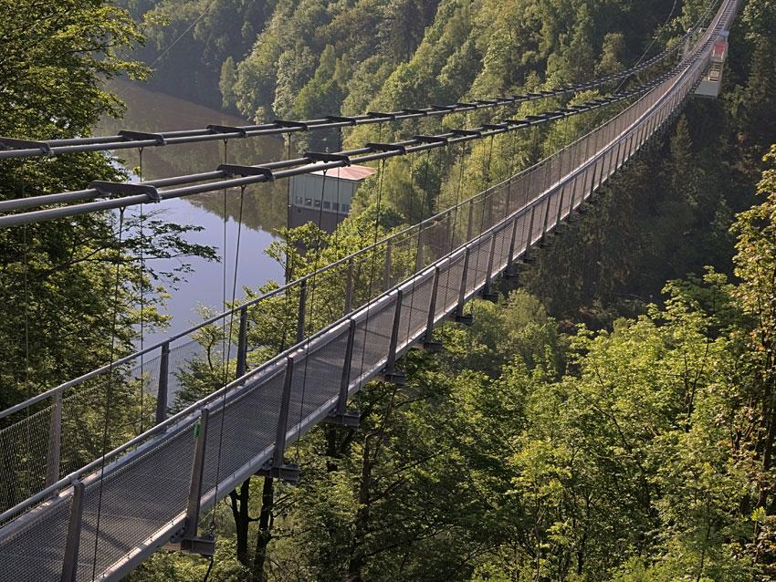 Hängebrücke Titan RT und GigaSwing